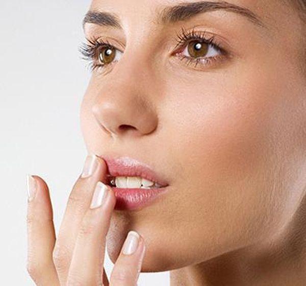 Как правильно ухаживать за кожей губ