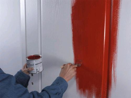 Как правильно красить деревянные двери