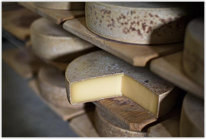 Как правильно хранить сыр?