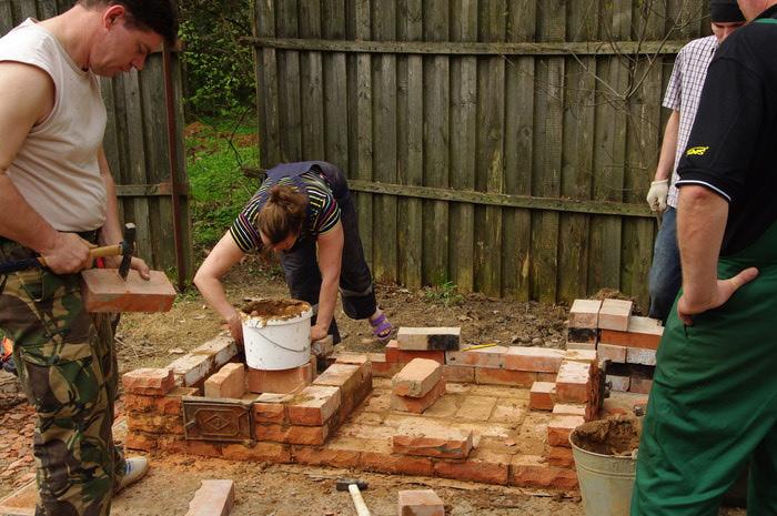 Как правильно самому построить мангал?