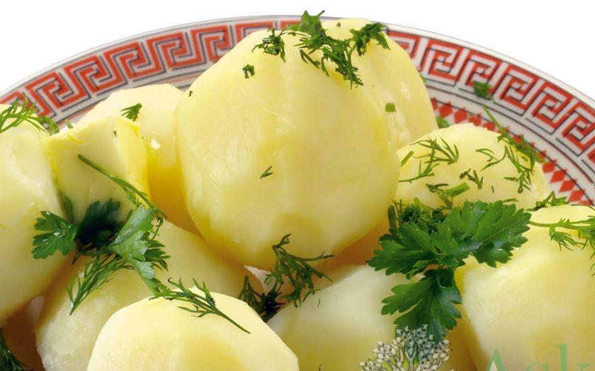 Как не переварить картофель для салата?