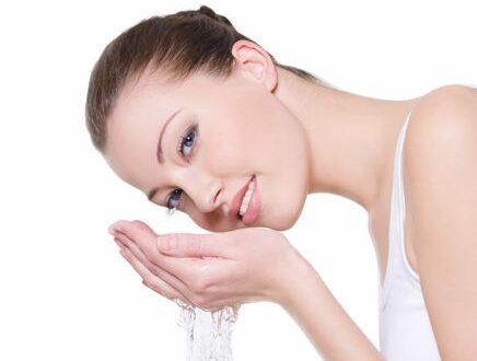 Как правильно умывать лицо?