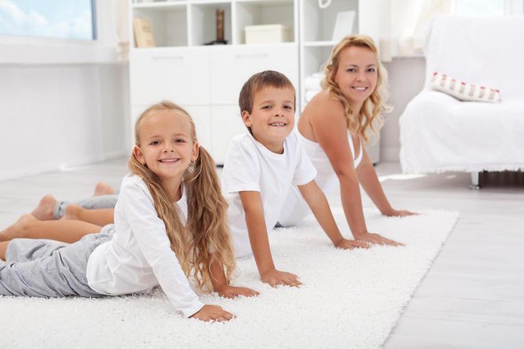 Как правильно делать зарядку пятимесячному ребенку?