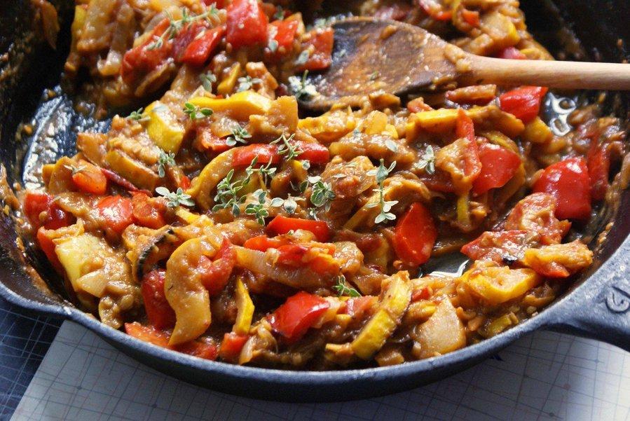 Как правильно приготовить овощное рагу?
