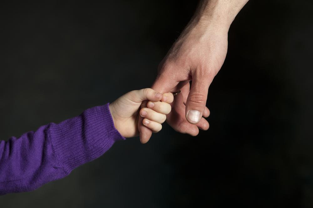 Как правильно оформить опекунство над ребенком?